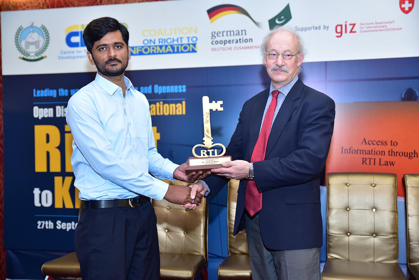 Zahid Khan won the RTI Champion Award 2019 in citizen category